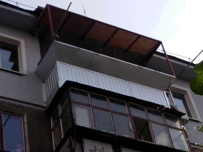 обшивка балкона металлопрофилем